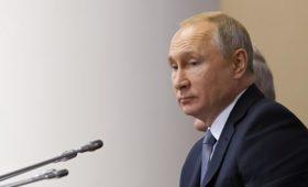 Путин подписал закон, разрешающий партиям не отчитываться о кандидатах