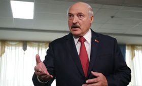 Кремль ожидает ответа Лукашенко об участии в параде Победы в Москве