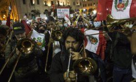 Главной причиной протестов в Перу стали надоевшие политики
