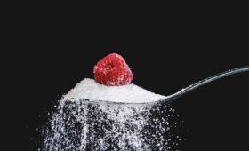 Диетолог рассказал, как распознать профицит сахара в крови и диабет