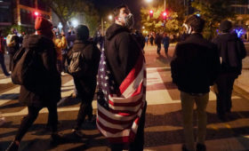 Сторонникам Трампа запретили носить оружие на митинги в его поддержку