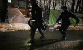 Правозащитники сообщили о более 3 тыс. задержанных на митингах в России
