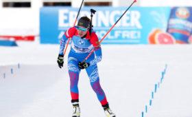 Российские биатлонистки поменяли золото эстафеты на вылет из десятки