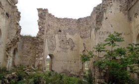 В Карабахе установлен памятник нацистскому преступнику и разрушены русские церкви