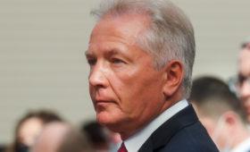 Лидером по доходам в федеральной власти стал сенатор от Камчатки