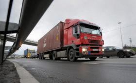 Ретейлеры и поставщики заявили о проблемах с доставкой продуктов в Москву