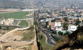 Байден отменил проекты финансирования стены на границе с Мексикой