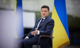 Зеленский предложил обязать чиновников декларировать обмен от $4 тыс.