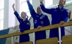 «За что давать им героев?»: Эксперт рассказал, чем отличаются космонавты от артистов на орбите