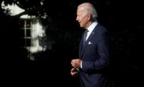 Politico узнало о расследовании Госдепом действий Байдена в Афганистане